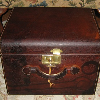 London Harness Company Leather Gentleman's Hat Trunk - Furniture
