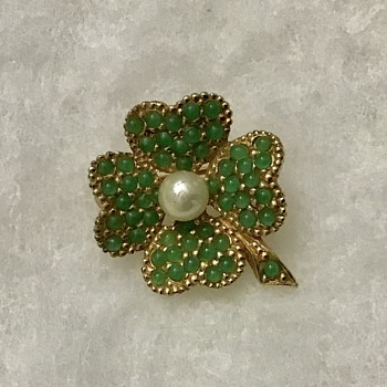 Ciner shamrock brooch - Costume Jewelry