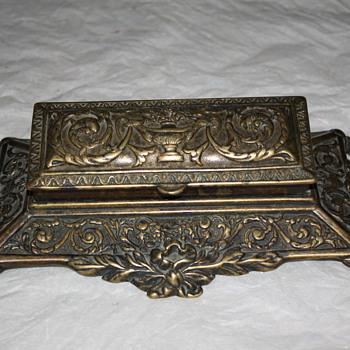 Antique Inkpen Nib Box