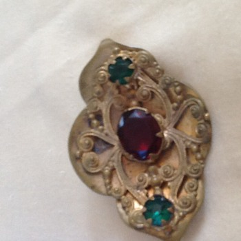 Doesn't this look ancient?  - Costume Jewelry