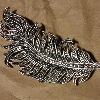 Leaf Brioche - Costume Jewelry