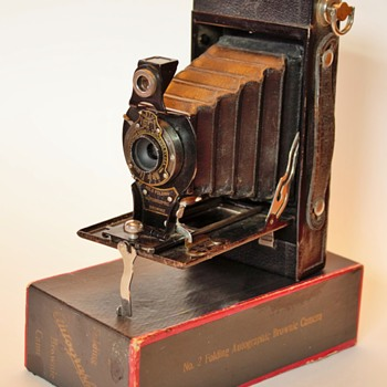 No.2 Kodak Autographic Brownie  - Cameras