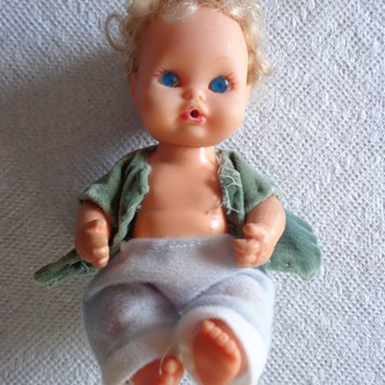 1971 REMCO BLONDE SMALL DOLL - Dolls