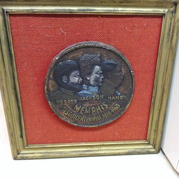 MEDALLION WALL PLAQUE - Folk Art