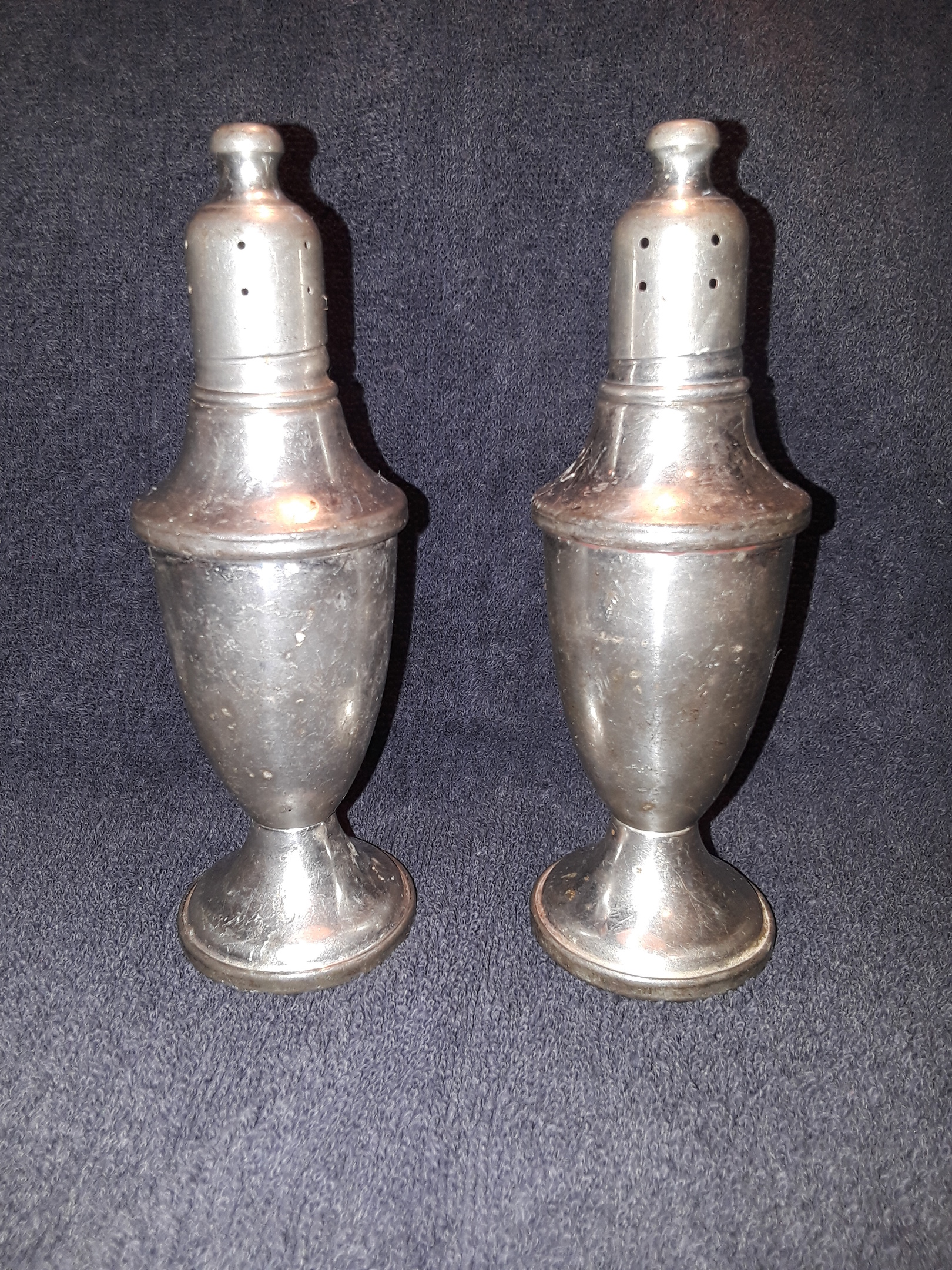 Pewter Tableware Salt and Pepper Set for Rustic Style Home WEB Pewter Weighted