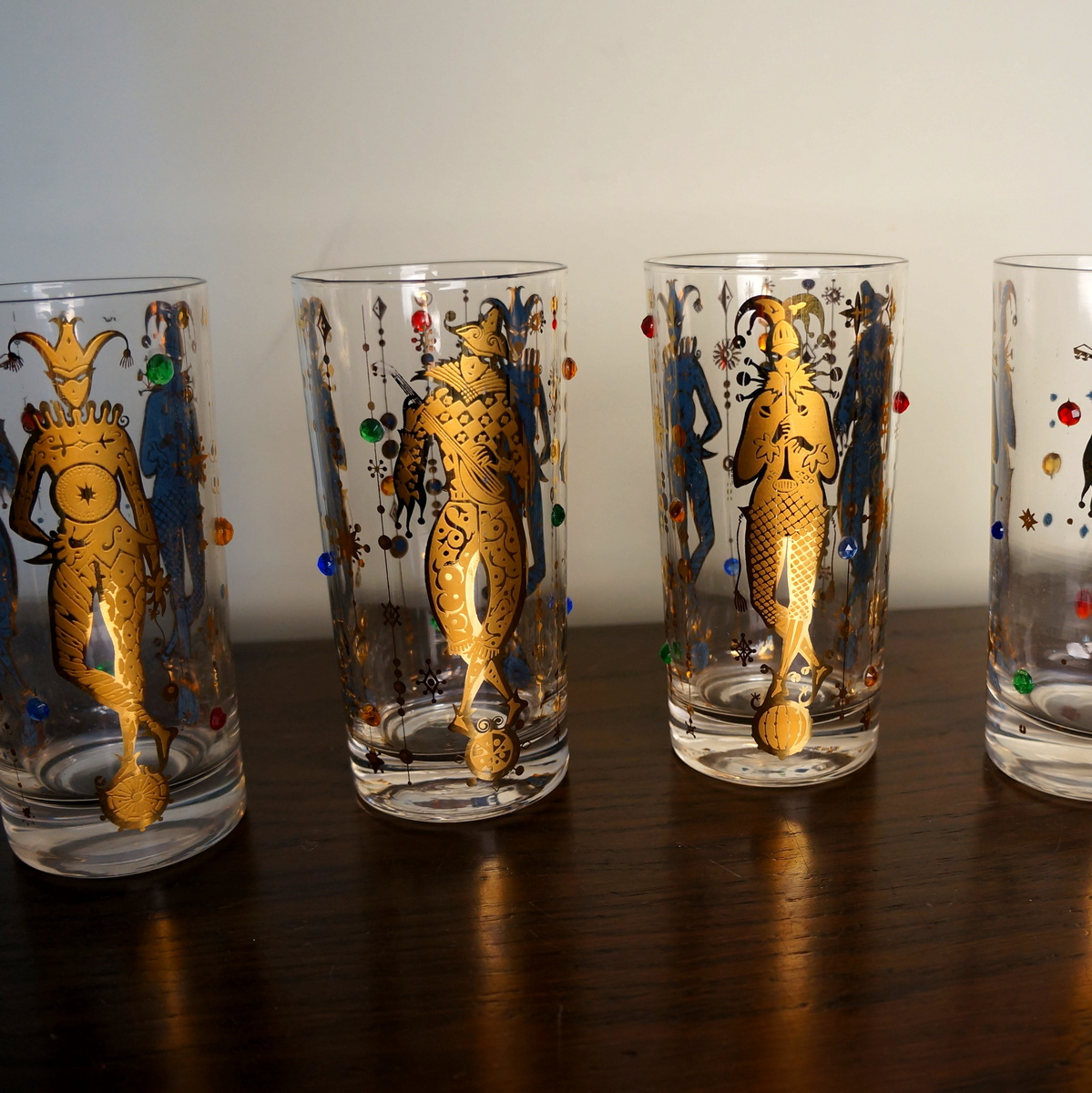 Delightful Vintage Culver Glassware Mardi Gras Pattern 22K Gold Jester Jewelled  Drinking Glasses Vintage Culver Barware Mid Century Bar | Collectors Weekly