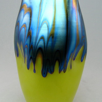 Loetz Ausführung Vase in Yellow with Blue Drips - Art Glass