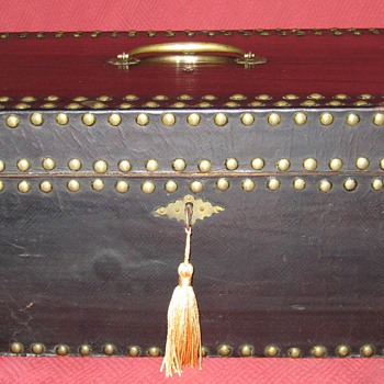 19th Century Patent Leather Document Box/Hand Trunk - Furniture