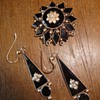Mourning juwelry brooch and earrings