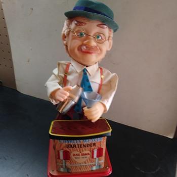 CHARLEY WEAVER BARTENDER - Toys
