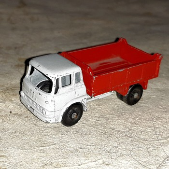 More Mature Moving Matchbox Monday MB-3 Bedford 7 1/2 Ton Tipper 1962-1967 - Model Cars