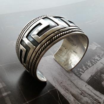 Unmarked silver cuff bracelet - Fine Jewelry