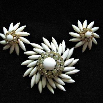 Judy Lee Brooch and Earring set # 3 - Costume Jewelry