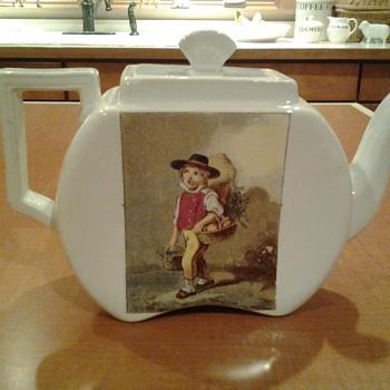 Porcelain teapot - Pottery