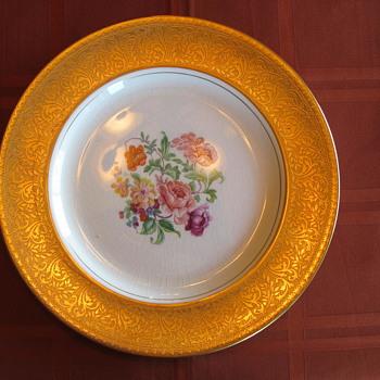 "Johnson Bros, Pareek Pattern 10.5"" Dinner Plate"