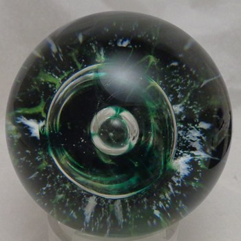 Selkirk Paperweight 1981 Neptune's Crown  - Art Glass