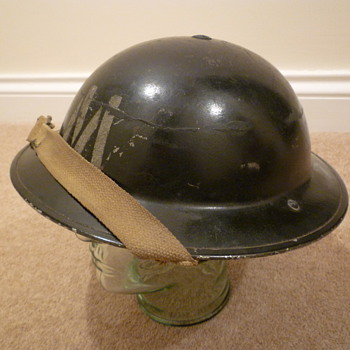 British WWII Messenger steel helmet