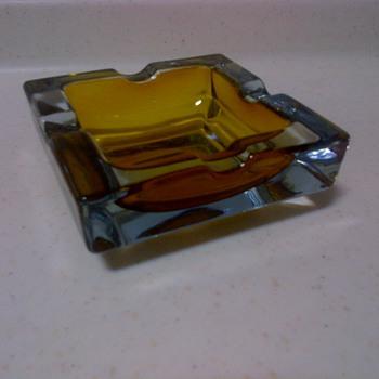 Mid-Century Modern amber glass ash tray - Tobacciana