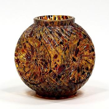 sklo42… Same shape (almost) different ground colour - Art Glass