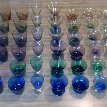Colored stemware (Maastricht Carnaval from Holland, c. 1956-1961) - Glassware