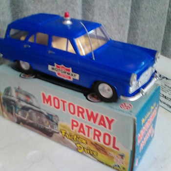 Mll ford zephyr estate patrol car.