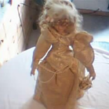 Collectible Doll Gold Wedding Dress Pearls On It. - Dolls
