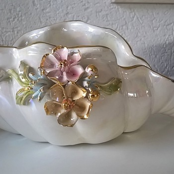 For A Dollar > Shimmering Glazed Gold Trim Decorated Shell Dish. B.F. Sigmo? Sigma? - Pottery