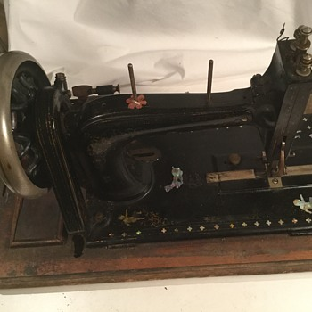 Mystery sewing machine .