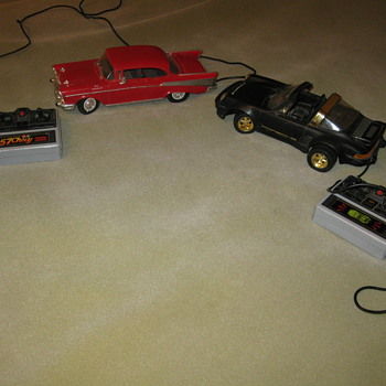 2 remote cars - Model Cars