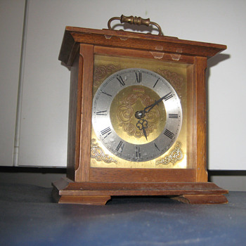 Antique German 1950's Europa mantle clock.