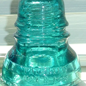 Glass insulators embossing