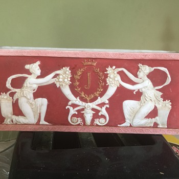 Planter or box Wedgwood style - Pottery