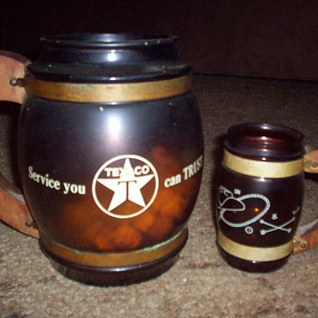 Texaco pitcher and mugs