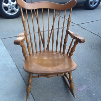 Cross spindle maple  rocking chair made in Japan