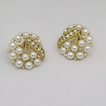 Trifari Cavalcade Earrings Rare - Costume Jewelry
