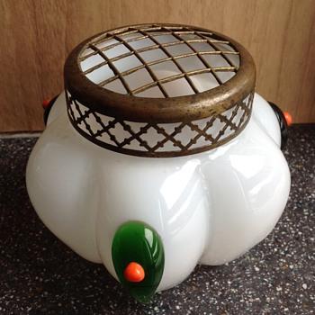 Kralik Tadpole vase. - Art Glass