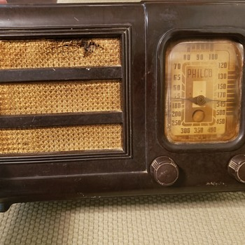 Old Philco Radio - Radios