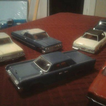 Motorific cars... two AA batterys and away they go. - Model Cars