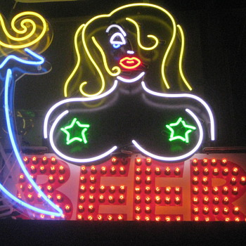 Vintage Neon and Bulb Lit  B E E R  sign - Signs