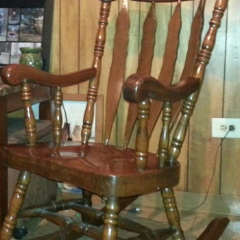 Merveilleux Large Solid Wood Carved Rocking Chair