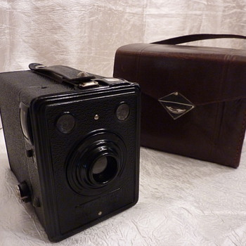 Kodak box 620 - Cameras
