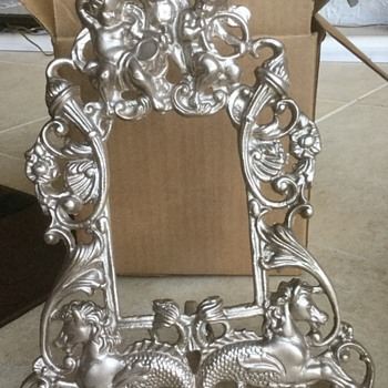 Brass picture frame. - Fine Art
