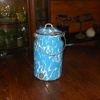 Graniteware Blue Swirl Milk or Cream Pail