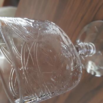 Flattened goblet - Glassware