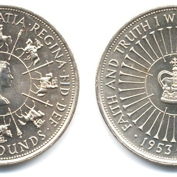 British Five Pound coins - World Coins