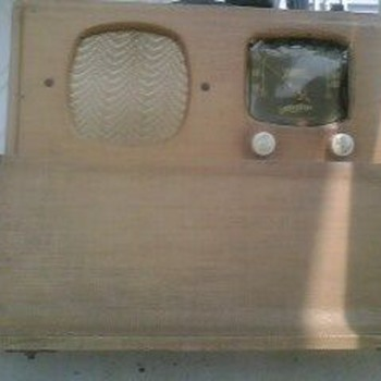 Antique Zenith Wavemagnet Radio 1940's