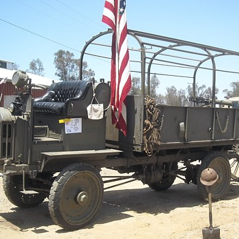OERM Antique Truck Show WWI 4WD Artillery Tractor - Military and Wartime