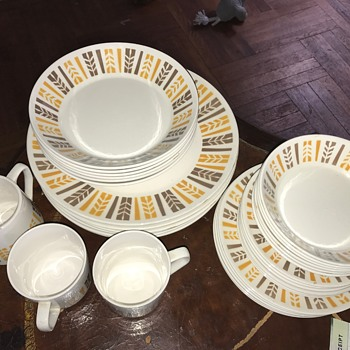 Local thrift store dishware set