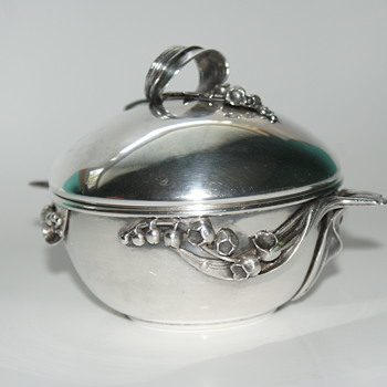 Help, Please:  Sugar Bowl - Kitchen