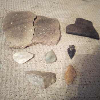 NC Arrowhead bird points  and  pottery shards - Native American